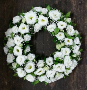 Lisianthus Wreath